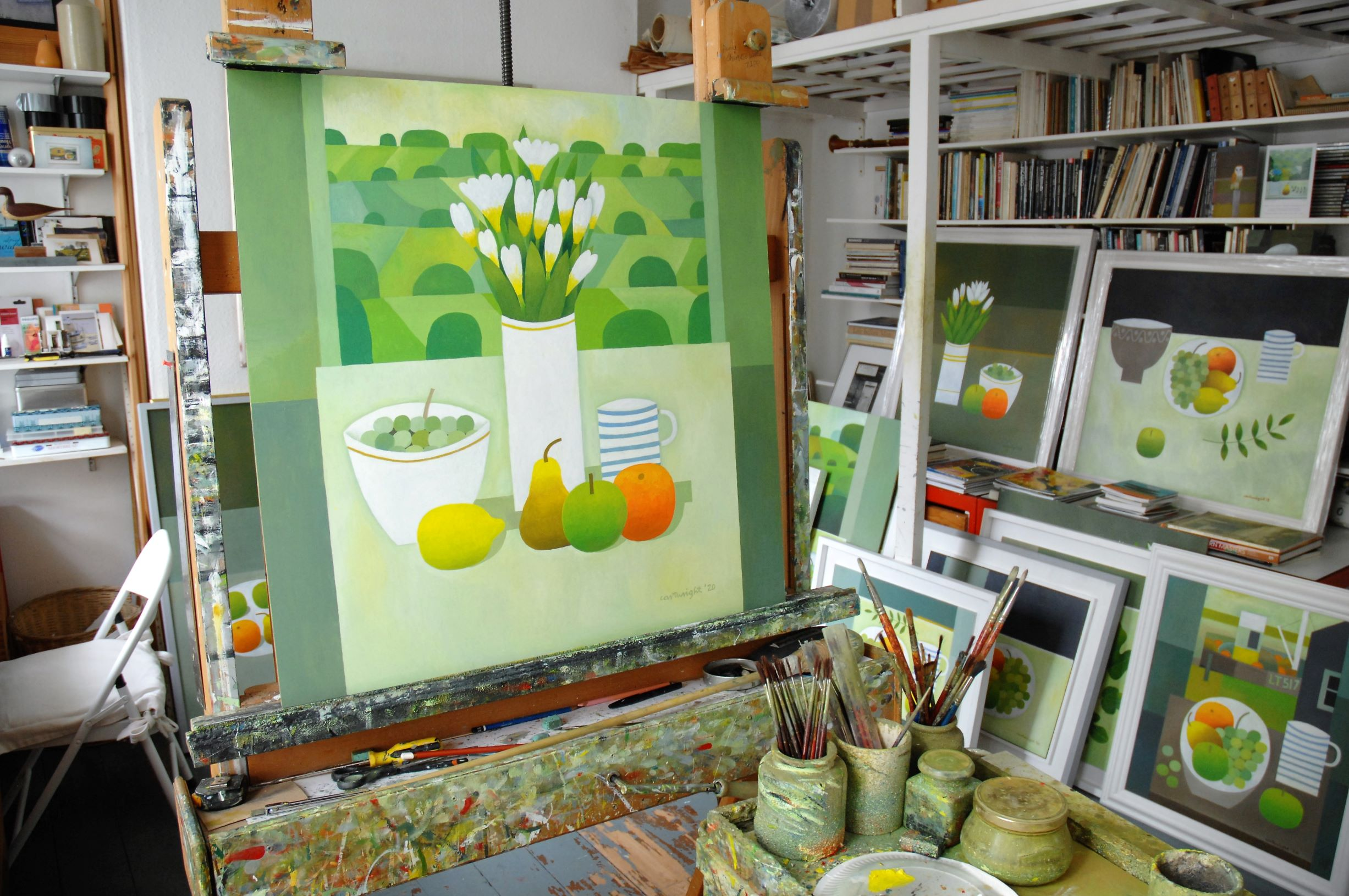 The studio of Reg Cartwright. English contemporary still life and landscape painter.
